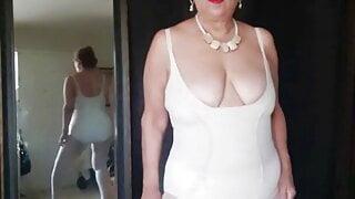 Mature Latina woman Zilah Luz strip tease wearing nylons