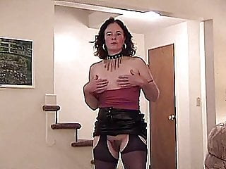 Crazy dumper girl sucking cock - Very horny mature goes crazy sucking big younger cock