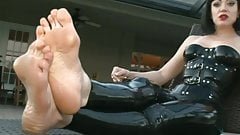 Beautiful mature feet with lovely toes and bunions