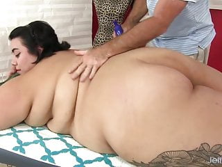 Clitoral stimulation vibrators - Young fatty mia riley massaged and stimulated with toys