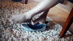 Piernas y pies de hueso rojo de Kayla