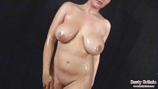 Toni Leanne Shower Fun