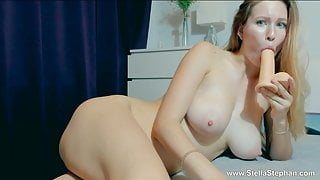 GIRL SUCKED TOY AND STUFFED IN PUSSY
