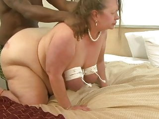 Ass roped - Bbw granny roped tits