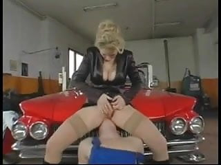 White milf dp Saggy milf dp in garage