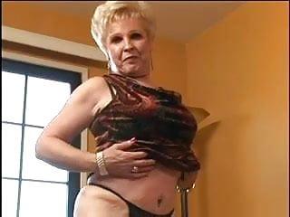 Masturbate nice Blond nice hot granny