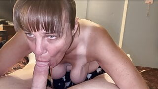 Granny dose not stop till her mouth gets full of cum