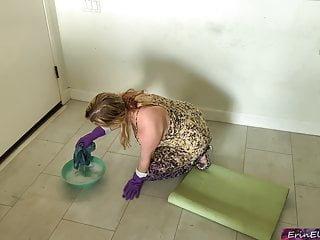 Shemale spanking tube Stepmom gets fucked while cleaning the floor tube