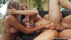Angry mom turns a sweet duet into a crazy threesome