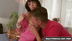 Mikes Appartment - Gina Devine Choky Ice - Sex Ride