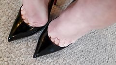 Louboutin Hot Chick Toe Cleavage