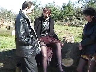 Rencontres matures Rencontre echangiste de 2 couples en foret