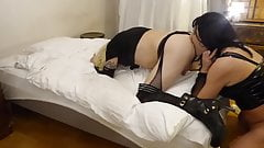 Tgirl Scarlette pleasing herself while eating sissy ass