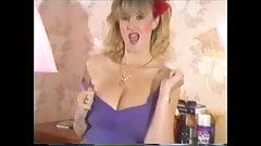 Debbie Quarrel rare boob dances
