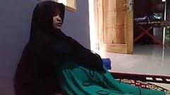 Hijab pregnant wife