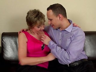 Young amateur sex boys - Mature sex bomb mom suck and fuck young boy