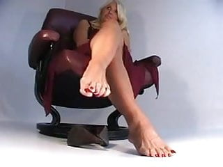 Red tube part sluts Sophia red toes part 1