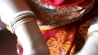 Indian Beautiful housewife in home-made sex with bf, clear audio