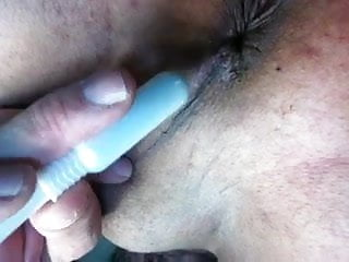 Inserting a tampon into a vagina Inserting my tampon