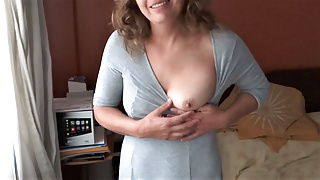 Latina mother shows off in front of her lover and masturbate