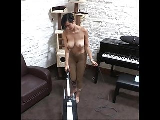Adult topless flash - Kim vacuum topless