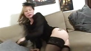 Mature french widow gets her ass licked and fucked