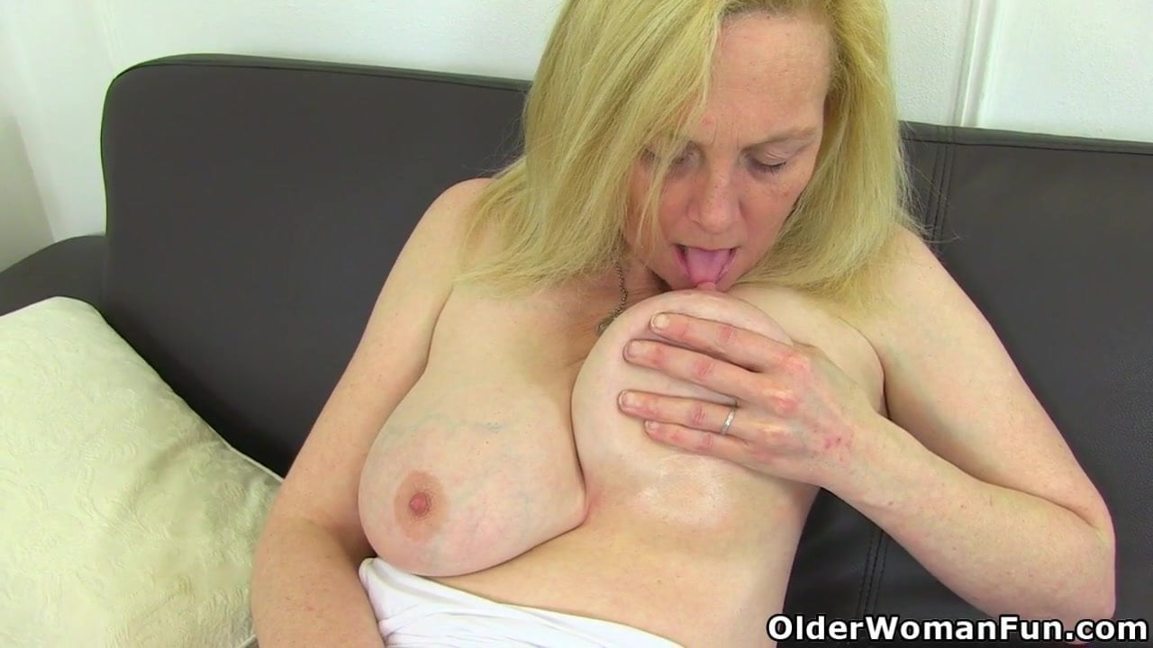 Free download & watch an older woman means fun part              porn movies