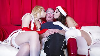 2 Young Girls fuck 2 Old Men and Swallow their cum on xmass