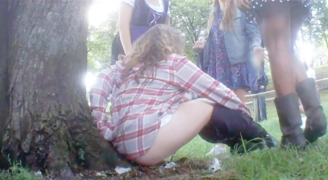 Top Porn Photos videos of drunk girls peeing outside
