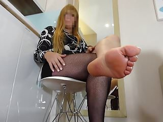Mature video hd feet milf Sexy mom feet...
