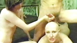 Devote Schlampe - Complete Dirty Head Shave Video