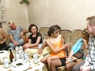 London gay friendly bea and breakfast - Favorite piss scenes - bea dumas 2
