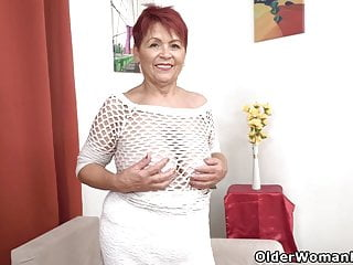 Back bring iam sexy Euro granny tarra brings her old pussy back to life