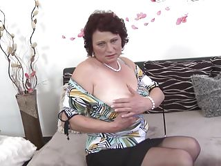 Young son-mother nude Mature mother spoiling a young son