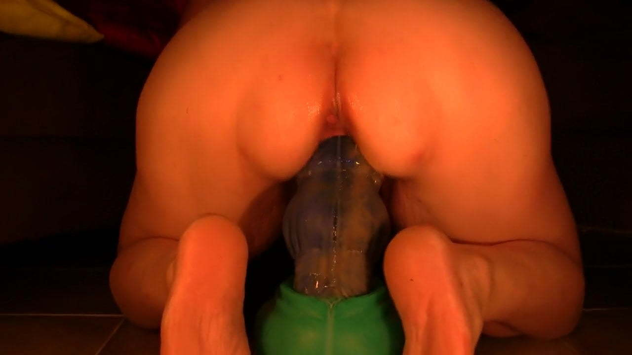 Creampie Bad Dragon Dildo