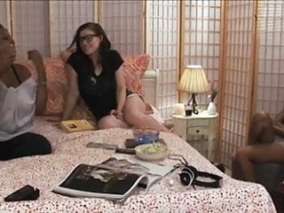 Patsy kensit lesbian scene - Bella moretti and alia starr lesbian scene