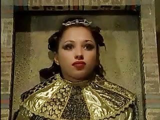 Hairy eyebrow - Egyptians eyes - the prelude to chola eyebrows - 4 - cleo