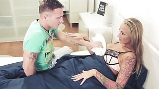 facial stepsister step mom lessons kayla green and matt ice