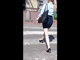 Sexy legs and clips 55 blond girl with sexy legs and high heels