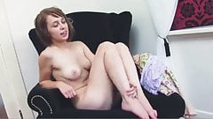 BRUNETTE CHERE SHAVE PUSSY NICE TITS