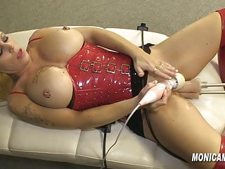 Monica Milf