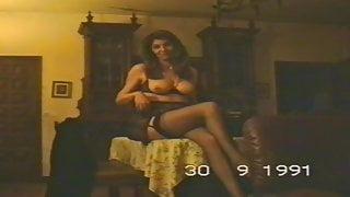 sexy vintage wife strip