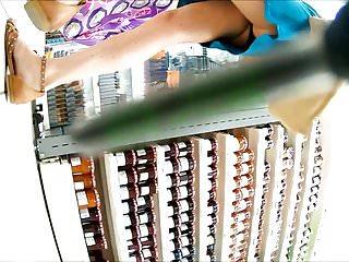 Video et webcam sexy Upskirt sous la jupe blue et culotte noir sexy