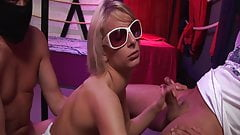 German Gangbang-Party: Paris Pink enjoys Fickparty