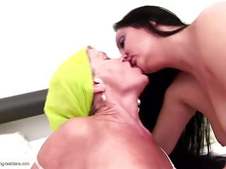Young girls peeing clips - Old granny peeing on and fucks young lesbian girl
