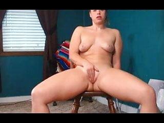 Cadeira erotica Pawg sentando no vibrador na cadeira