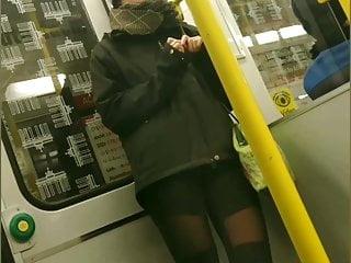 Jung sexy Junge frau in sexy leggings