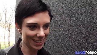 A huge black cock for Stephanie's anus