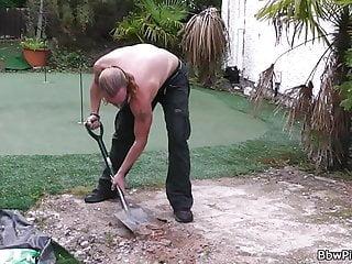 Milf seduces worker - Blonde bbw in lingerie seduces garden-worker