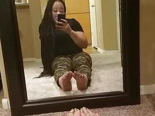 Mirror masterbation fetish - Sexy feet lightskin toe play in mirror